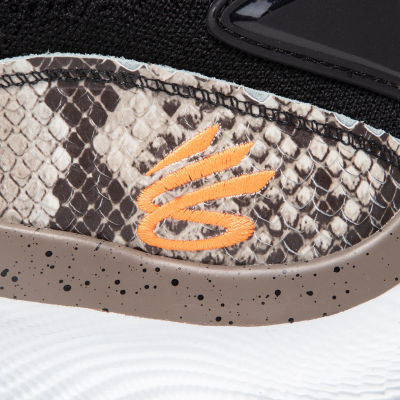 UNDER ARMOUR Curry Flow 8 'Cold Blooded' Black Orange (3024429-005)